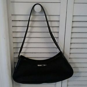 Black patent Guess small purse EUC